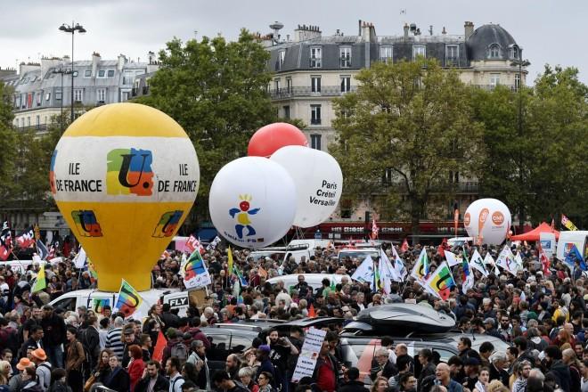 Manifestation-contre-reforme-travail-Paris-12-septembre-2017-Toutes-organisations-syndicales-fonction-publique-ailleurs-appele-journee-greve-manifestation-10-octobre-prochain_0_1399_933